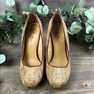 MIA Wicker/Straw Heels (Size 10)